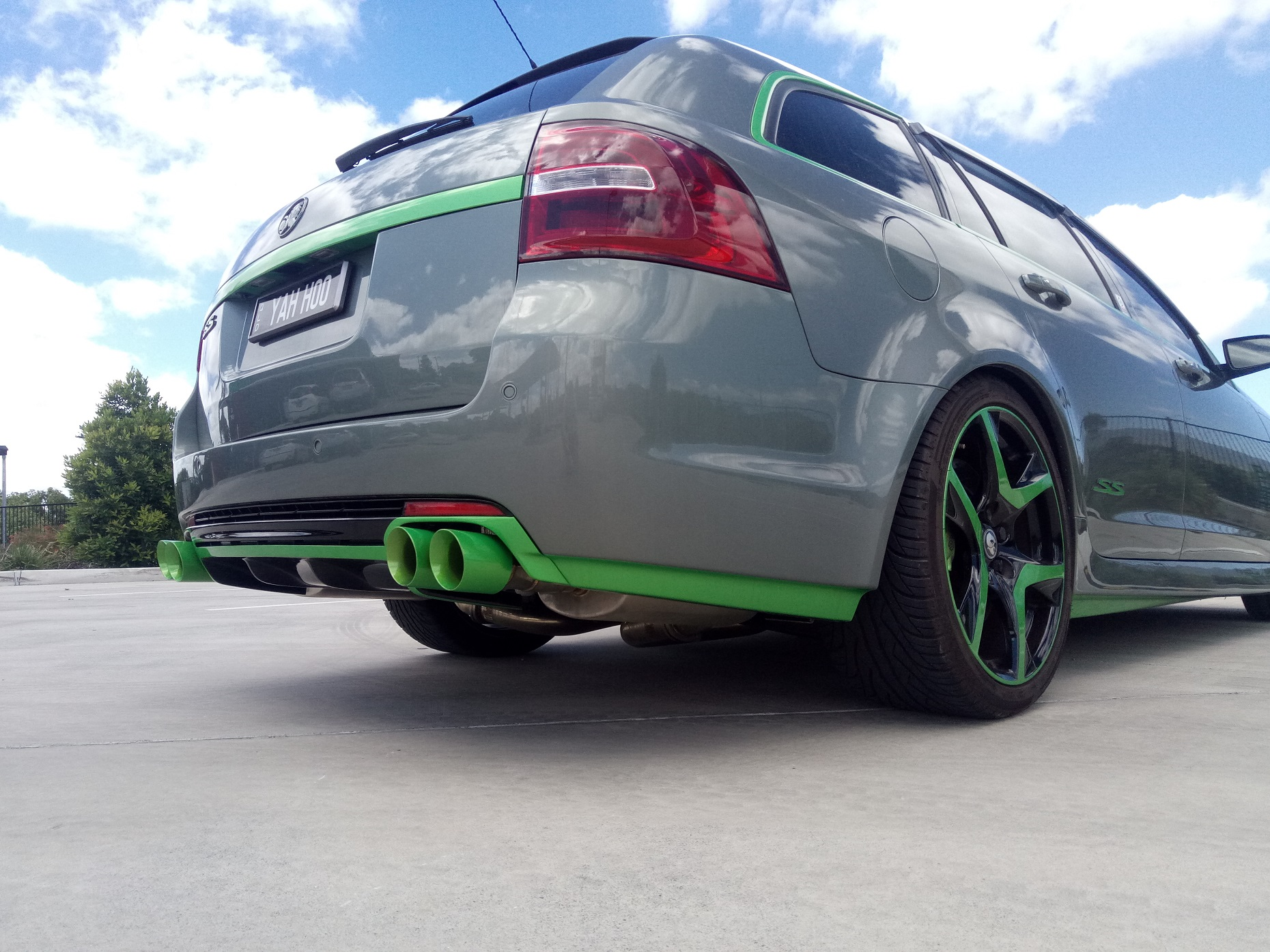 Holden VF SS-V Green sill and bumper trim , Green X Force 3' tips 1.jpg