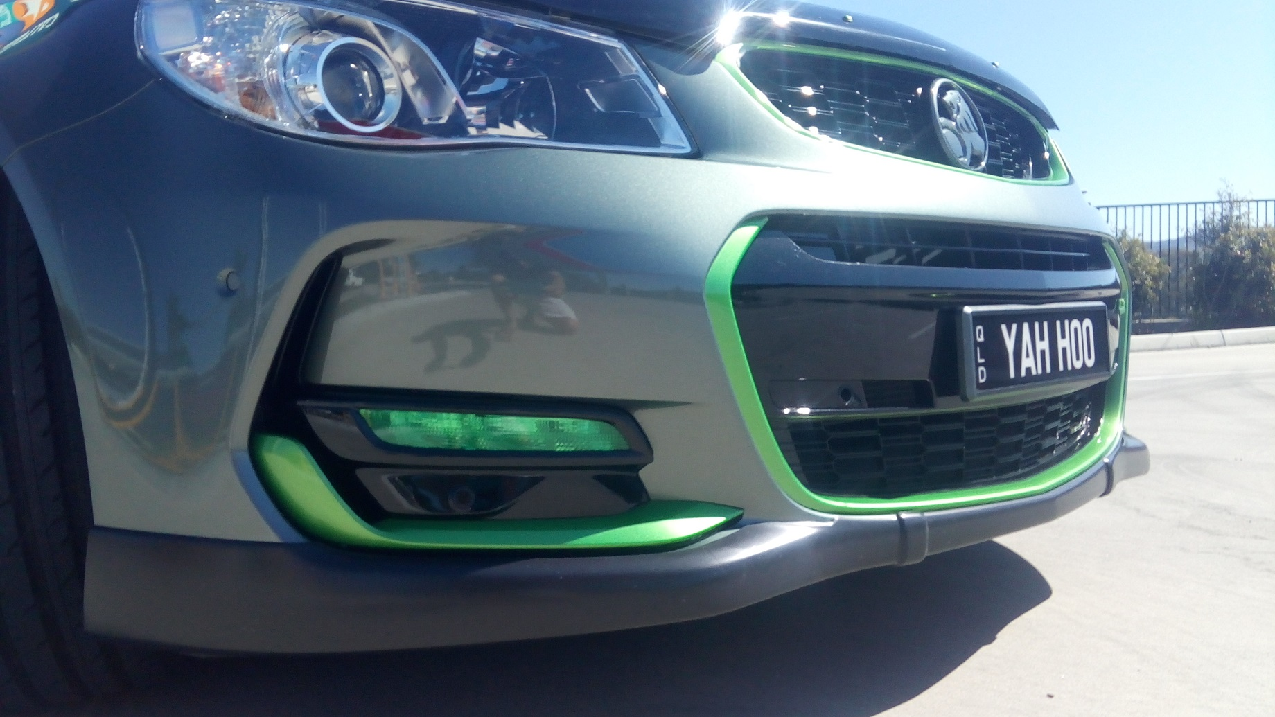 Holden VF SS-V Series 2 front bumper Green trim and daylight driving light 1.jpg