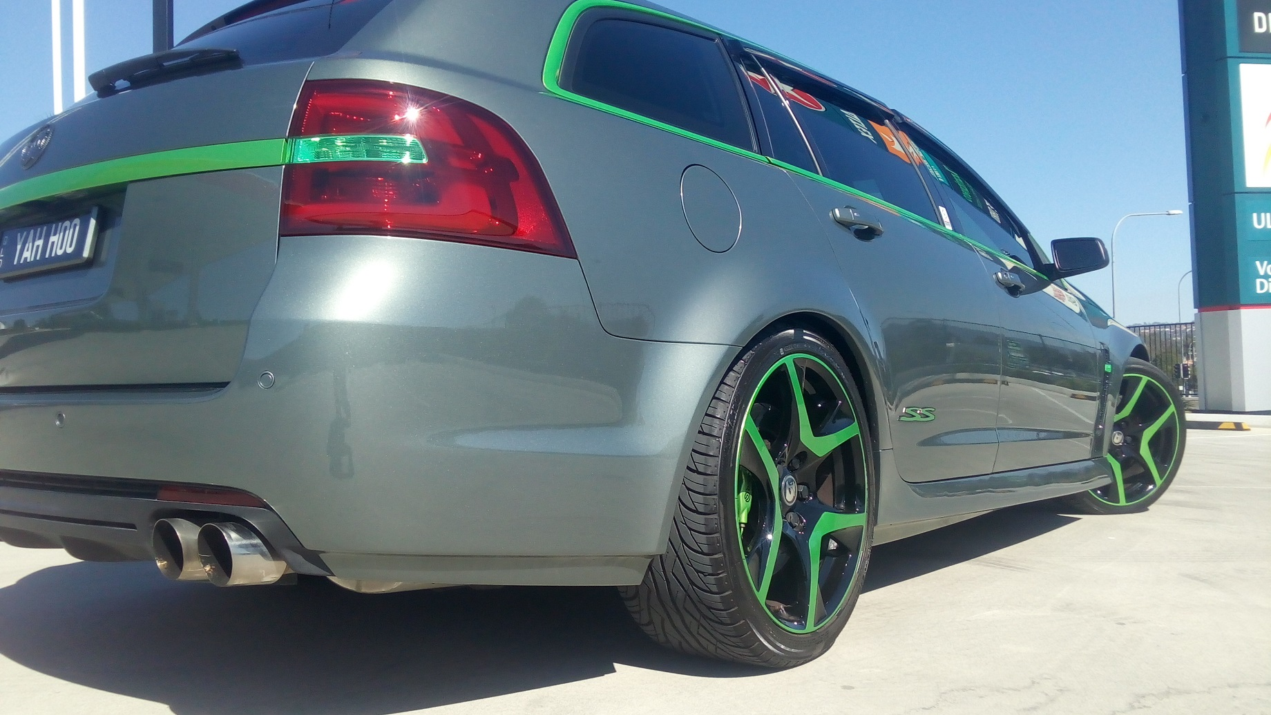 Holden VF SS-V Series 2 Green HSV wheels, Green trim 1.jpg