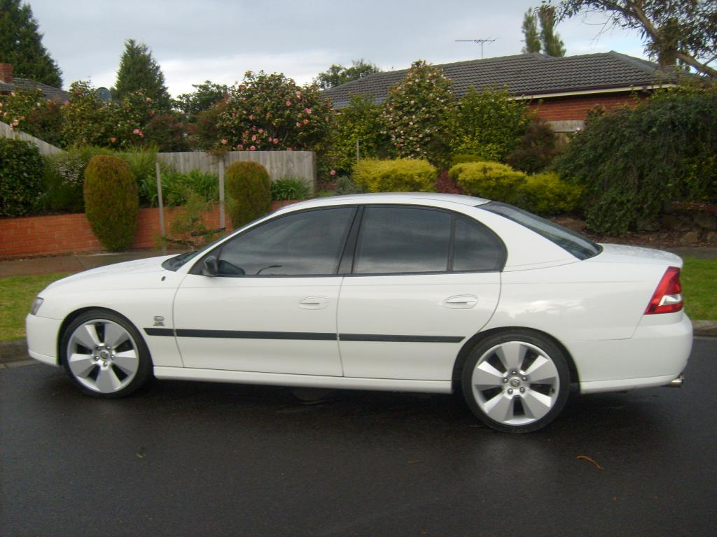 Vic for sale damaged 2004 holden vz commodore executive s6302042g vanachro Gallery