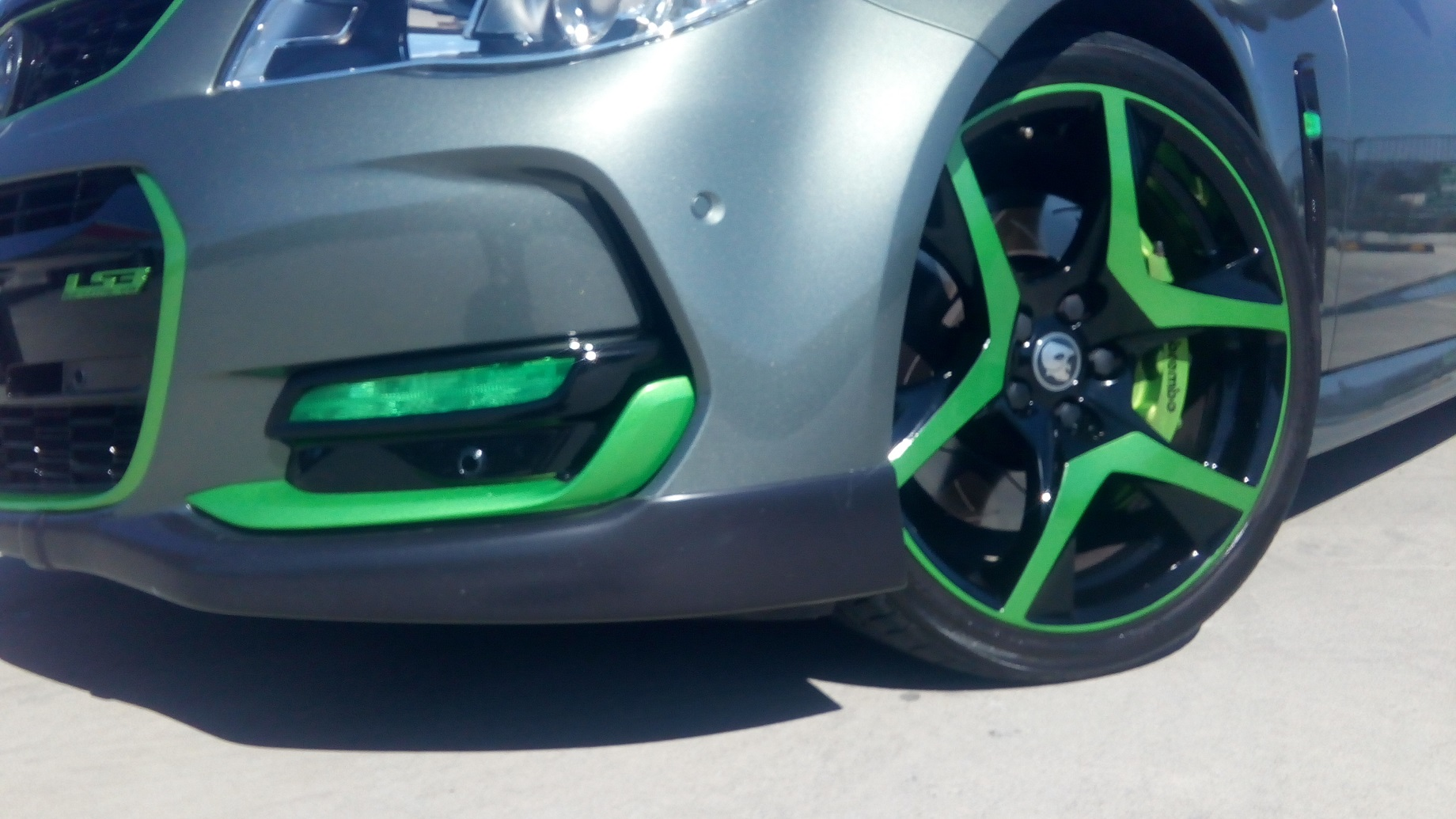 VF SS-V Series 2, Green HSV wheels   Green Daylight Driving light 1.jpg